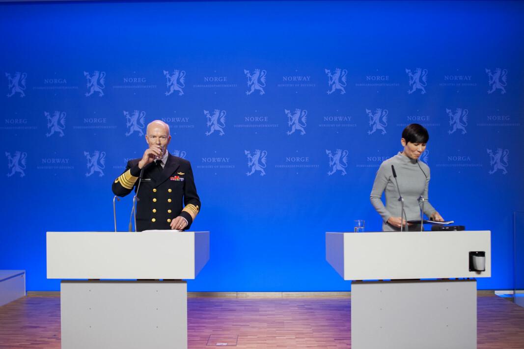 Forsvarssjef Haakon Bruun-Hanssen og tidligere forsvarsminister Ine Eriksen Søreide