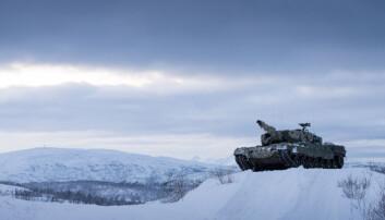 Hvorfor trenger vi nye stridsvogner? Når da? Og hva står det mellom?