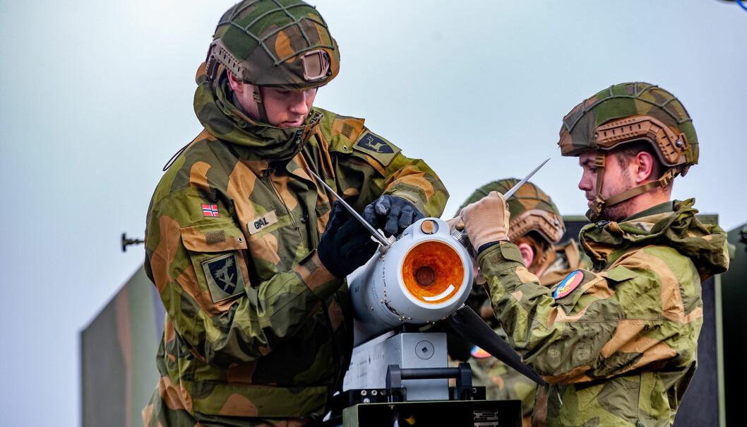 En ny undersøkelse viser at kun to prosent av de spurte ønsker å prioritere Forsvaret. Her ser viSoldater fra Luftvernartilleribataljonen (LvBn) fra Ørlandet og kampluftvernet til Artilleribataljonen.