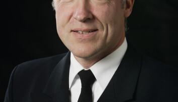 Arild Inge Skram har skrevet bok om Kystvakten.