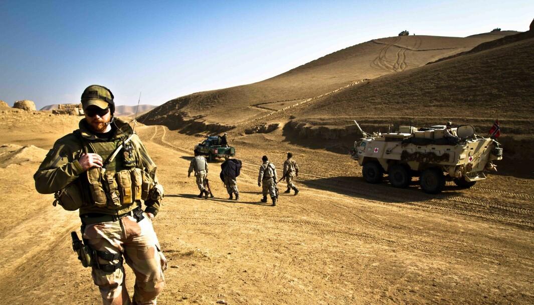Regjeringens veteranmelding «Også vi når det blir krevet — Veteraner i vår tid» får blandet mottagelse. Her ser vi norske og afghanske soldater på felles patrulje.