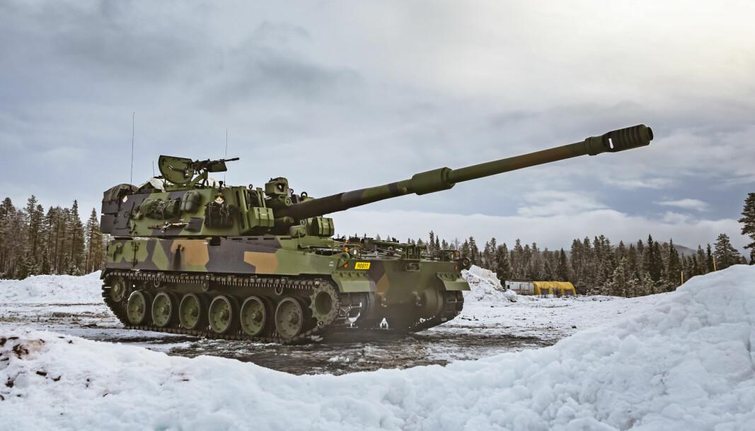 K9-artilleri under skarpskyting på Rena.