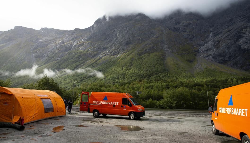 Sivilforsvaret ved det rasutsatte området under fjellpartiet Veslemannen i 2018.