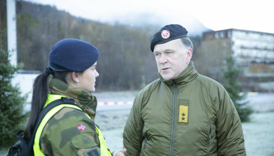 Sjefen for Forsvarets sanitet, Jon Reichelt, mener det er om å gjøre å forsinke epidemien. Her under en helseøvelse i Orkanger.