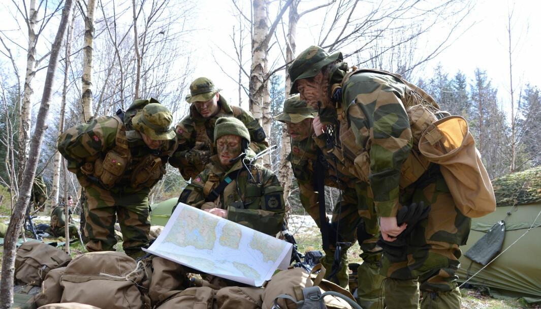 Det skal allerede være flere soldater fra innsatsstyrkene som har forhåndsregistrert sin deltagelse i gruppesøksmålet mot staten, ifølge en stevning til Sør-Trøndelag Tingrett. Her ser vi soldater fra innsatsstyrke Archery under en øvelse i 2017.