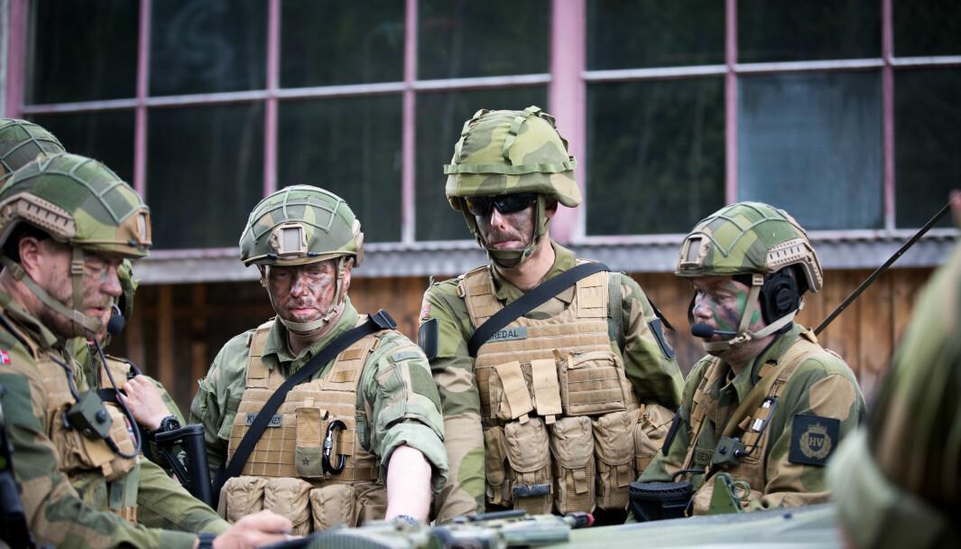 Flere soldater er misfornøyd med at det blir utbetalt feriepenger for tre år, og ikke flere. Her ser vi soldater fra HVs innsatsstyrke Heron under en øvelse.
