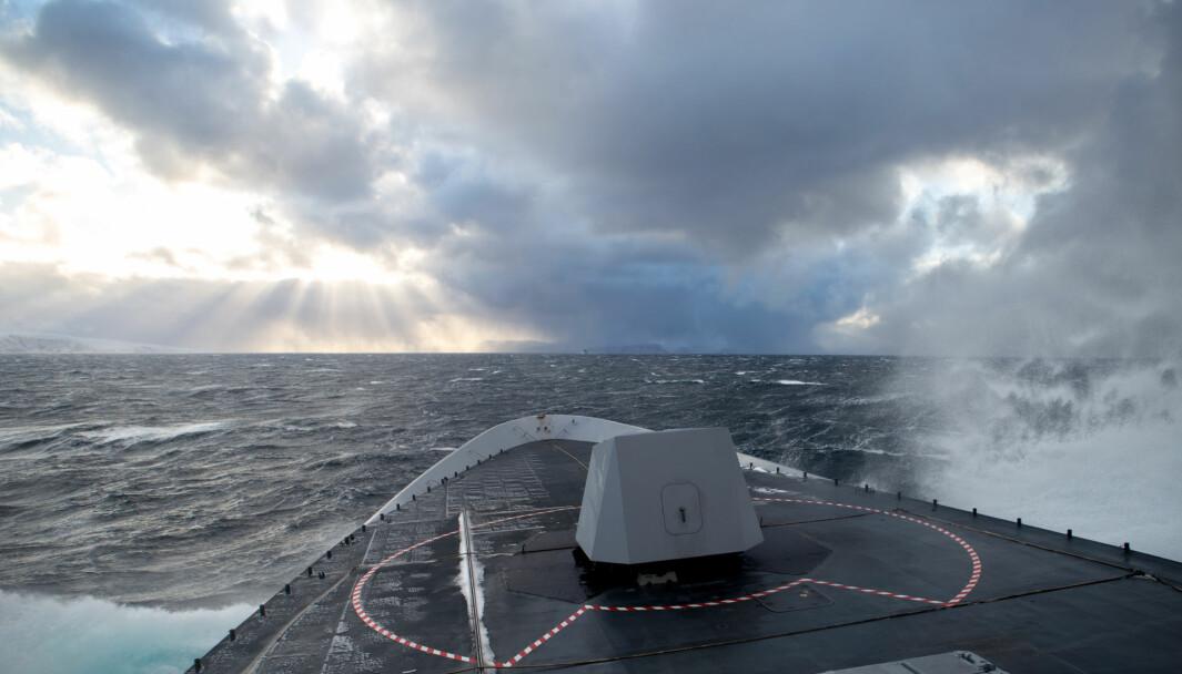 Vintervær i Finnmark på fregatten KNM Helge Ingstad.