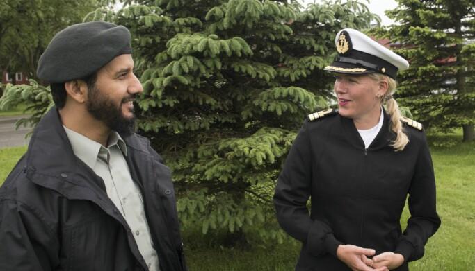 Feltlivssynshumanist Ida Helene Henriksen (til høyre) og feltimam Najeeb Naz.