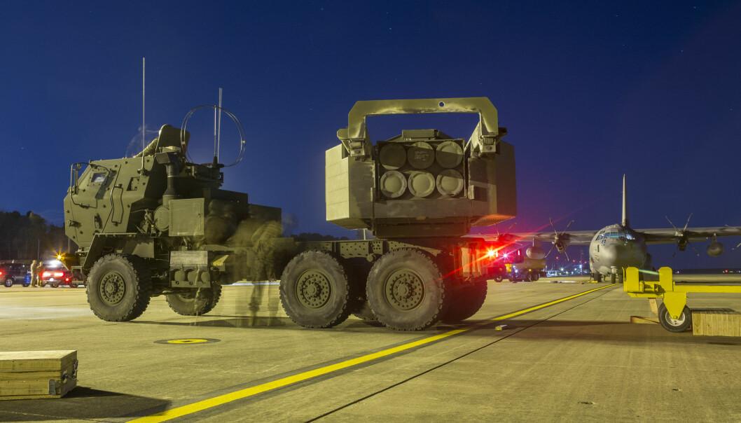 Rakettartilleri av typen HIMARS. USMC ser på muligheten for å bruke denne plattformen for å avfyre norsk-produserte Naval Strike Missile.