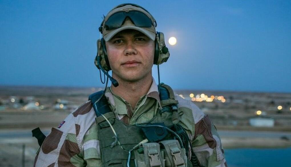 Vognfører Benjamin Christensen i Al Assad Air Base.