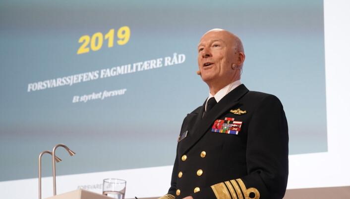 Forsvarssjef Haakon Bruun-Hanssen presenterer sitt fagmilitære råd for regjeringen. Det fagmilitære rådet er en del av forarbeidene til Forsvarets neste langtidsplan.