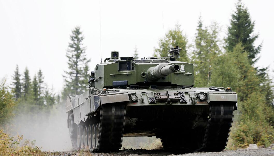 En Leopard 2 hos Telemark bataljon i Regionsfelt Østlandet ved Rena leir. Nå vil regjeringen anskaffe nye, først om fem år.