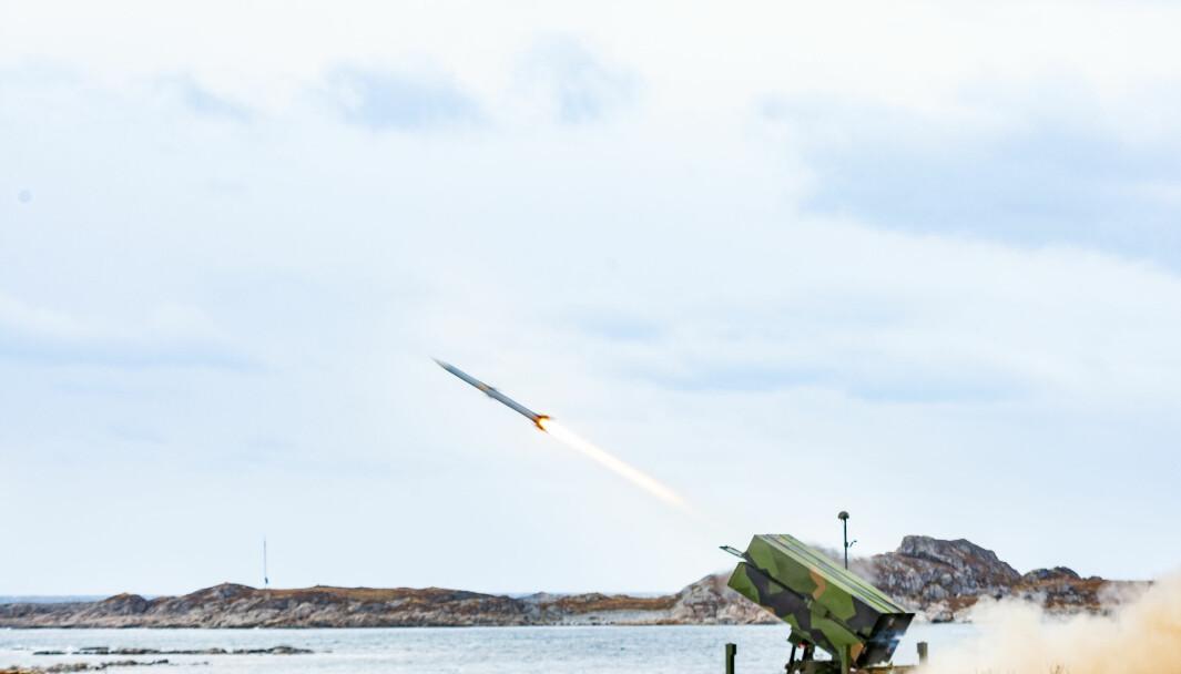 Luftvernartilleribataljonen fra Ørlandet skyter med NASAMS III luftvern på Andøya.