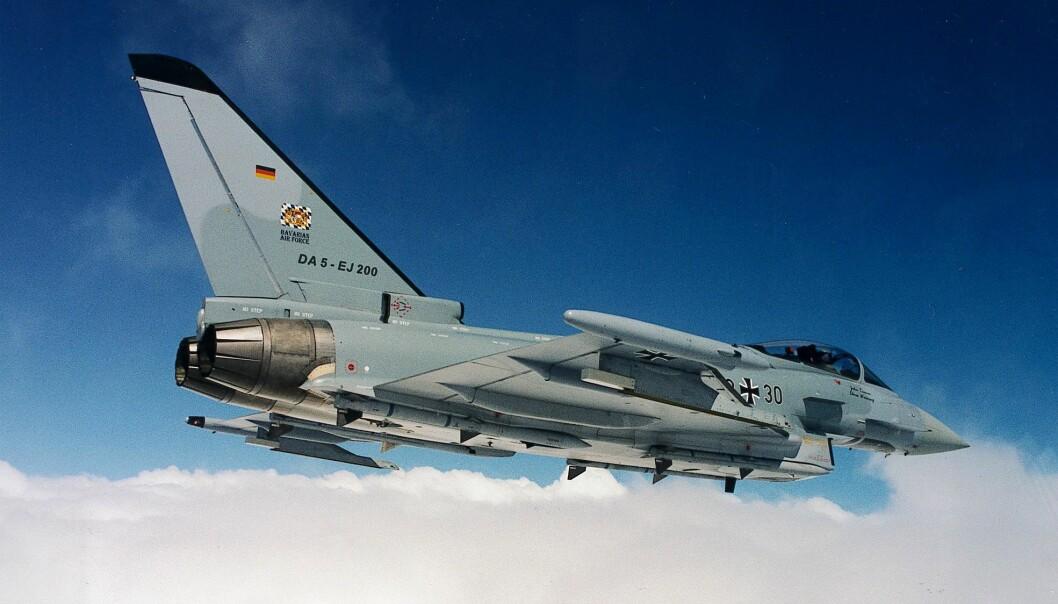 Tyskland kjøper flere Eurofighter-fly for å erstatte sine aldrende Tornado-maskiner. Men landet kompletterer kjøpet med et antall amerikanske F-18 for å balansere hensynet til allierte på begge sider av Atlanterhavet