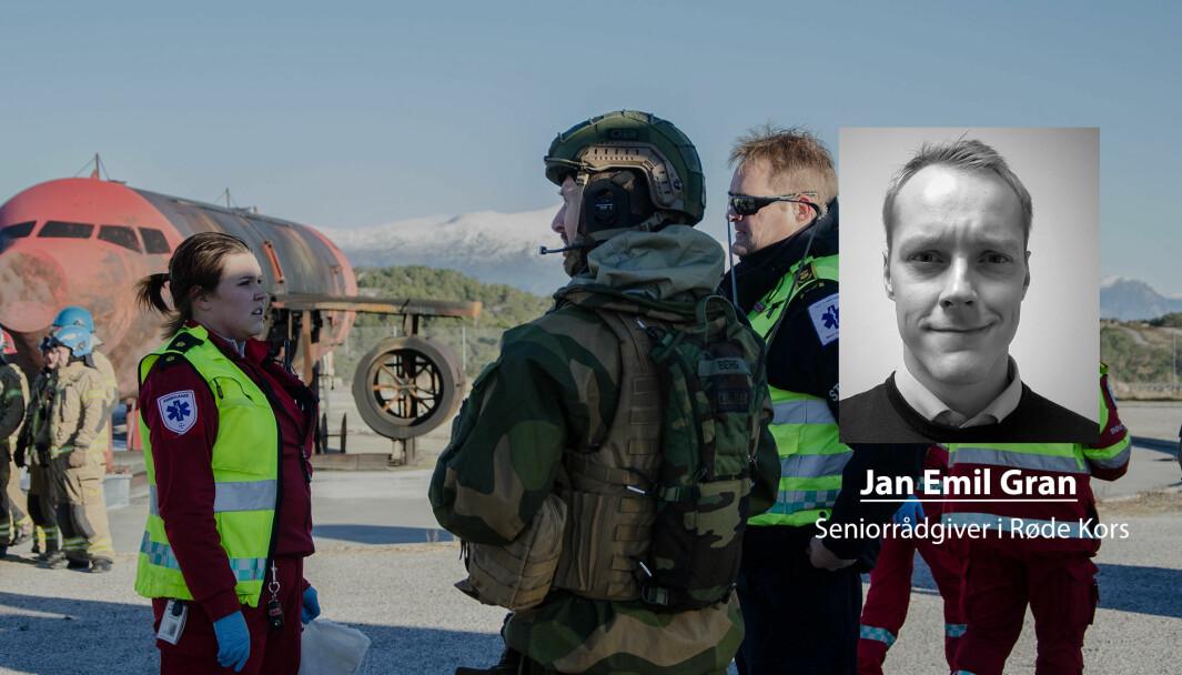 Vi må ikke viske ut skillene mellom det sivile og militære, skriver Jan Emil Gran i Røde Kors. Dette bildet er fra Nasjonal helseøvelse i Kristiansund der Forsvaret deltok.