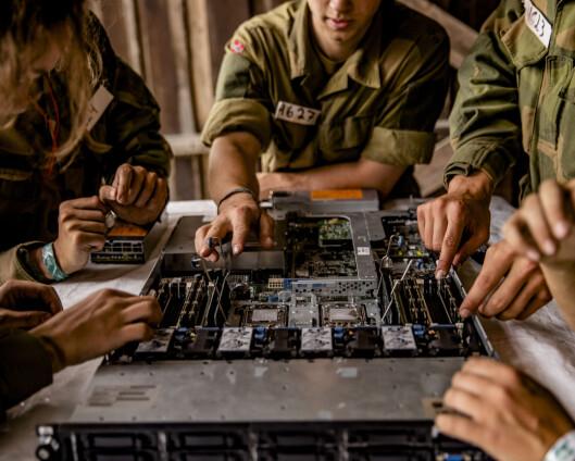Ansatte i Cyberforsvaret står overfor en enorm omstillingsprosess