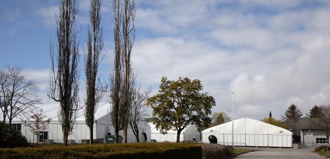 Fem telt på totalt 4300 kvadratmeter er satt opp.