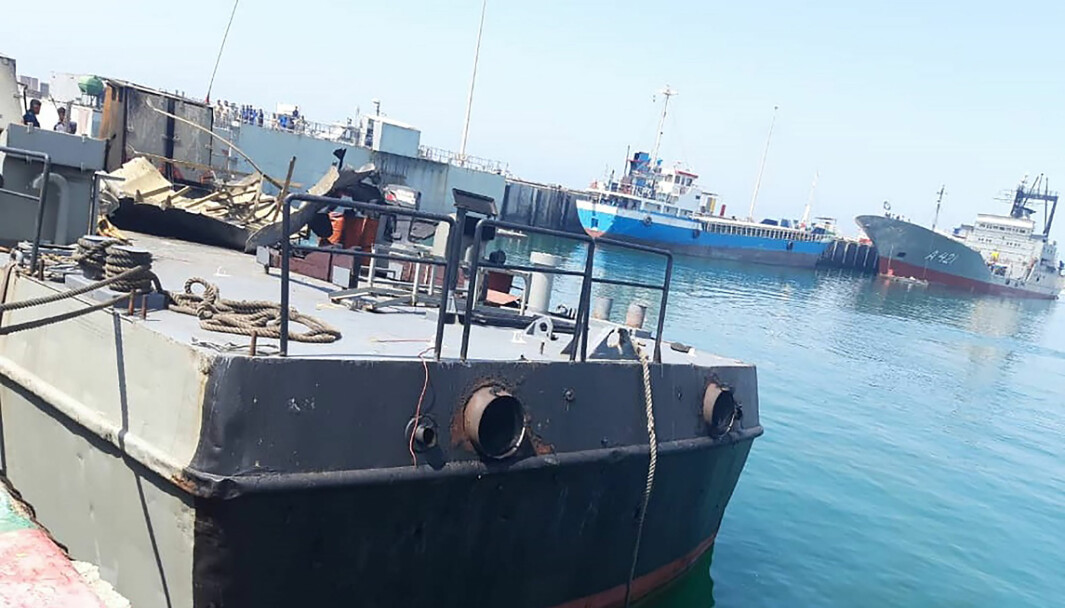 Her ser vi fartøyet Konarak som ved en feiltagelse ble truffet av et missil. Det kostet 19 mennesker livet (Iranian Army via AP)