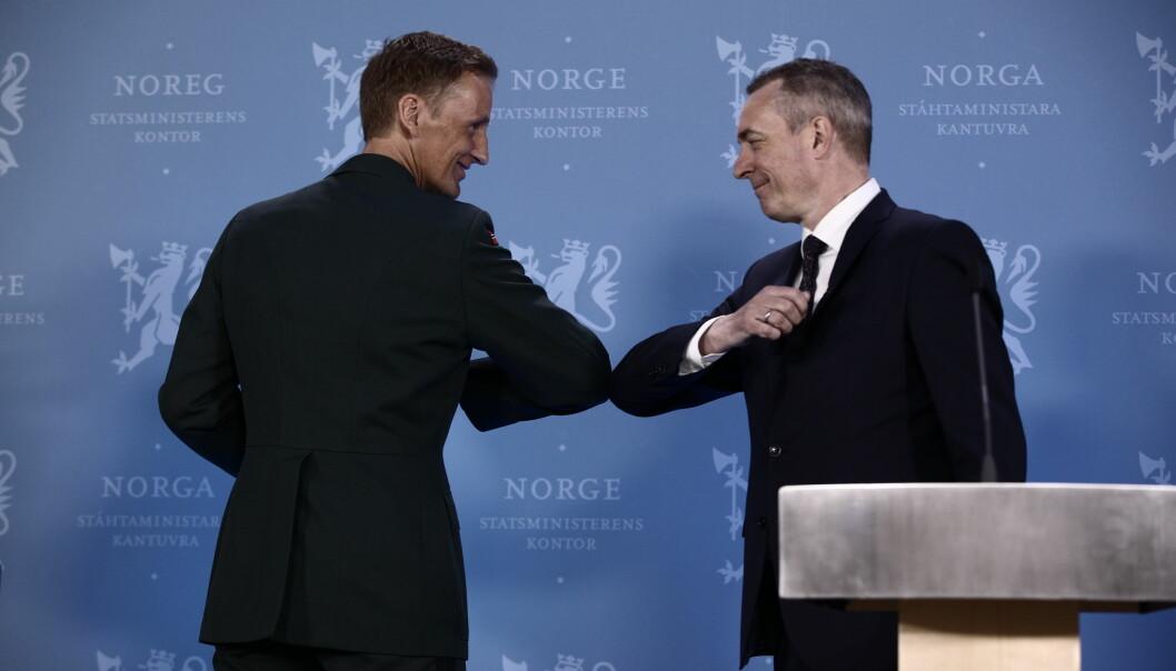 Forsvarsminister hilser på ny forsvarssjef Eirik Kristoffersen