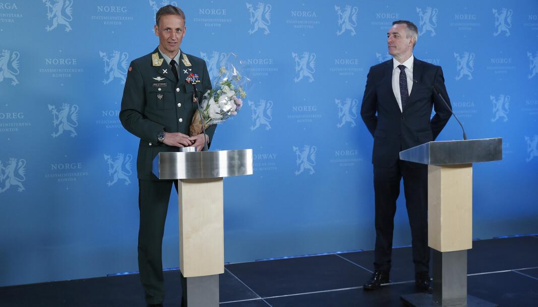 Eirik Kristoffersen blir ny forsvarssjef. Her sammen med forsvarsminister Frank Bakke-Jensen.