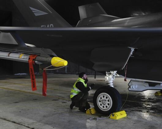 F-35: Kan bli dyrere og stå mer på bakken