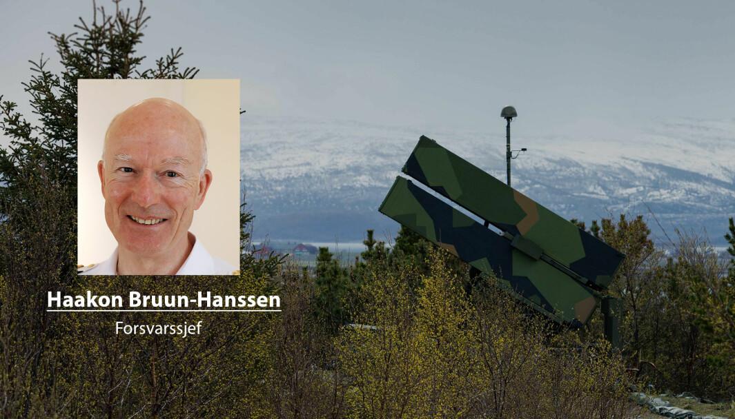 En utsatt og lavere satsing på luftvern enn det jeg anbefalte, gir økt sårbarhet for F-35, skriver forsvarssjef og admiral Haakon Bruun-Hanssen. Her ser vi et NASAMS III fra Luftvernbataljonen.