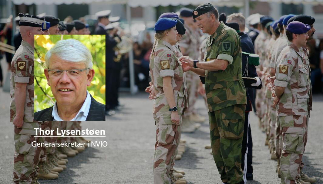Vi ønsker ikke at rettighetene til veteraner skal svekkes, skriver Thor Lysenstøen i Norges veteranforbund for internasjonale operasjoner. Her ser vi norske soldater med tjeneste fra Irak under en medaljeseremoni.