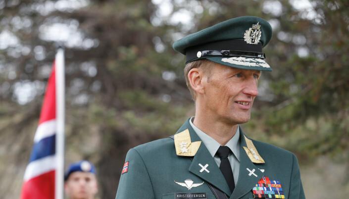Hærsjef Eirik Kristoffersen er til stede under markeringen i Narvik.