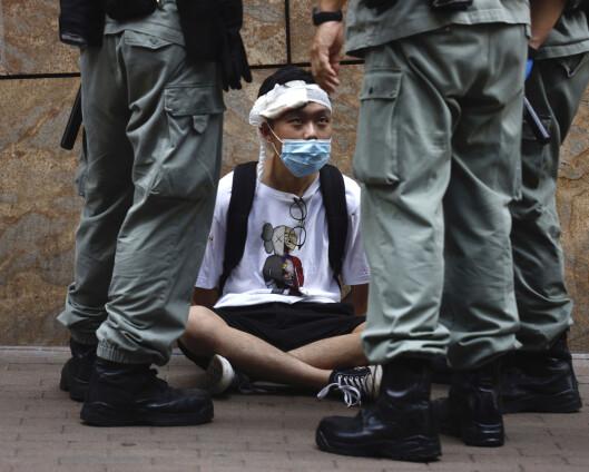Åpner for å gi Hongkong-borgere statsborgerskap