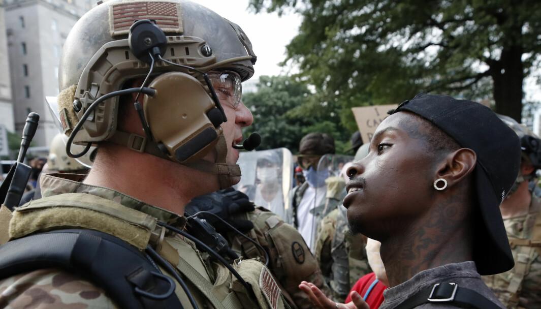 Nasjonalgarden og demonstrantene kom tett på hverandre utenfor Det hvite hus under demonstrasjonene i Washington, og ikke alle bar beskyttelse. Nå er det flere som er koronasmittet.