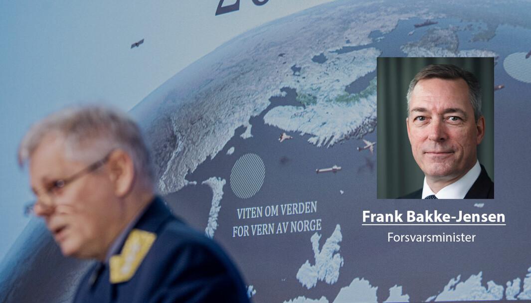 Nå er den nye etterretningstjenesteloven vedtatt i Stortinget. Det er jeg glad for, skriver forsvarsminister Frank Bakke-Jensen. Her ser vi sjef for Etterretningstjenesten Morten Haga Lunde.