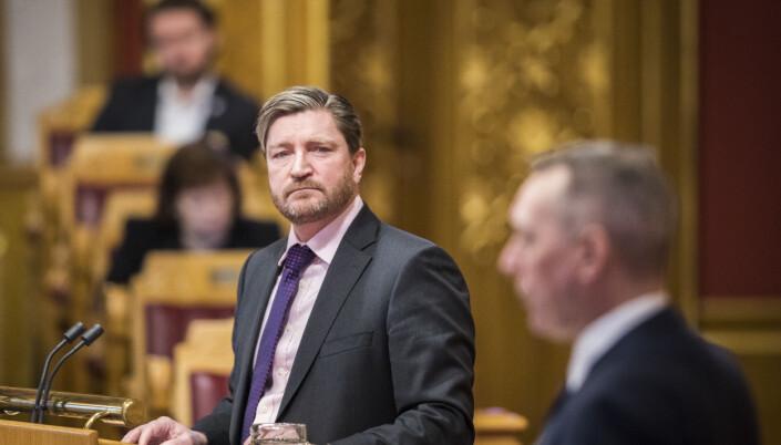 Christian Tybring-Gjedde (FrP) stiller spørsmål til forsvarsminister Frank Bakke-Jensen (H) under stortingets muntlige spørretime i januar.