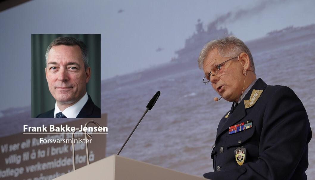 Jeg er trygg på at regjeringen har funnet en god balanse, skriver forsvarsminister Frank Bakke-Jensen. På bildet ser vi sjef for Etterretningstjenesten Morten Haga Lunde.