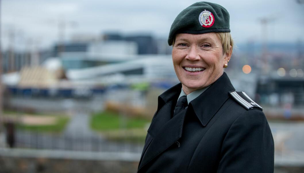Geirhild Snildal Engen. Bildet er tatt i forbindelse med at hun mottok Forsvarets likestillingspris i 2016.