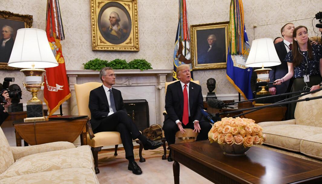 USAs president Donald Trump sammen med Natos generalsekretær Jens Stoltenberg i Det hvite hus. Bildet ble tatt da Stoltenberg besøkte Trump i mai 2018 som et ledd i forberedelsene til toppmøtet senere den sommeren.