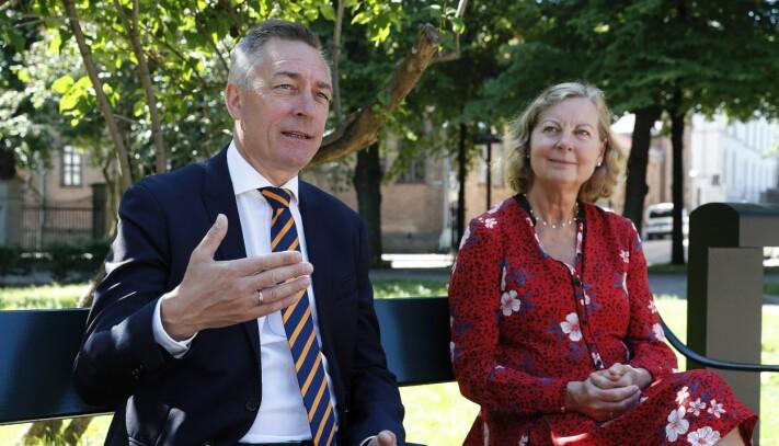 Forsvarsminister Frank Bakke-Jensen og mottok 24. juni innspillene og rapporten fra utvalgsleder Berit Svendsen.