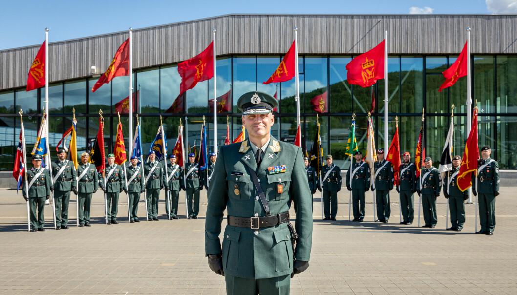 Generalmajor og nybakt hærsjef Lars Lervik rett etter seremonien for hans innsettelse.