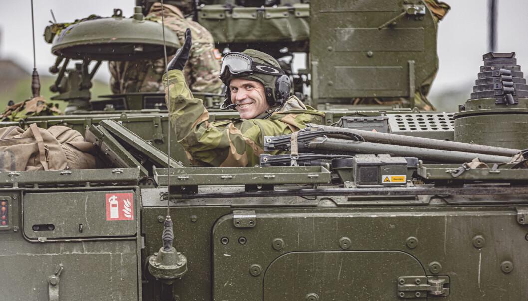 Hærsjef Lars Lervik under et besøk til Porsanger bataljon i forrige uke.