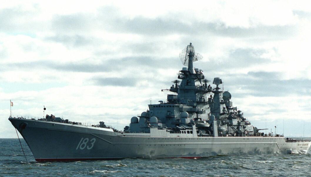 Atomdrevne Peter den Store er en av fartøyene til den russiske Nordflåten. Dette bildet er fra 2004.