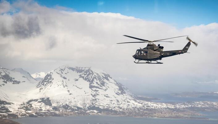 Forsvarets helikopter avslutter ambulanseoppdraget i Kirkenes