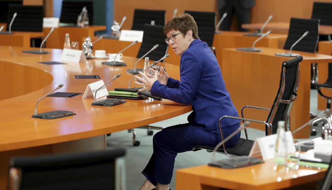 Tysklands forsvarsminister Annegret Kramp-Karrenbauer taler under et ukentlig møte med regjeringen i Berlin 8.juli.