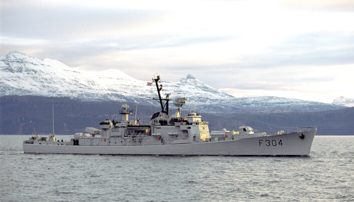 KNM Narvik på vei mot havn i Harstad under øvelse Flotex i år 2000. Karlsen seilte med fregatten i 1996. Nå er hun museumsfartøy.
