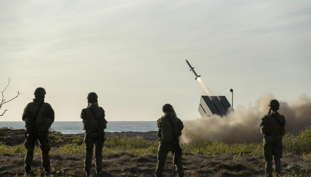 NASAMS luftvernbatterier og kampfly deltar under en øvelse på Rygge. Dette fra en tidligere testskyting med NASAMS på Andøya