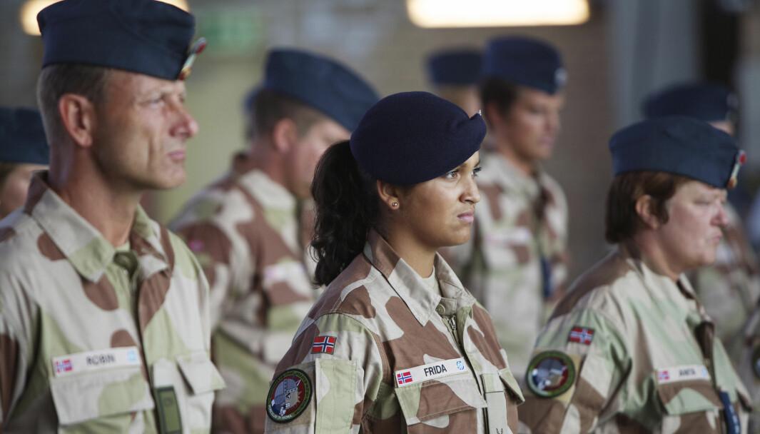 ANSATTE: Hovedårsakene til at militært personell slutter er at de heller ønsker å ta en sivil utdannelse eller ønsker jobb i det sivile liv, viser en rapport fra Forsvarets forskningsinstitutt.