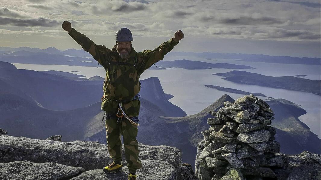Bjørn Arne Benjaminsen på toppen av Stetinden.