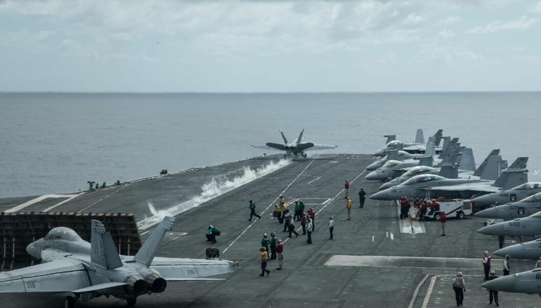 HANGARSKIP: F-18-fly tar av fra hangarskipet «USS Harry S. Truman». Disse flyene skal nå skyte med skarpt i Indre Troms. Foto: Jakob Østheim / Forsvaret