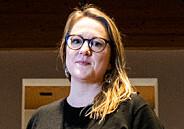 Marte Michelet sier hun pirker i heltebildene og nyanserer krigshistorien i Norge. Det blir det bråk av.\n