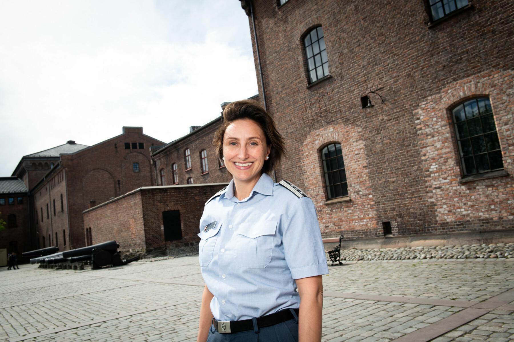 20. mai trer Gunn Elisabeth Håbjørg inn i rollen som sjef for Forsvarets personell- og vernepliktssenter på Hamar.