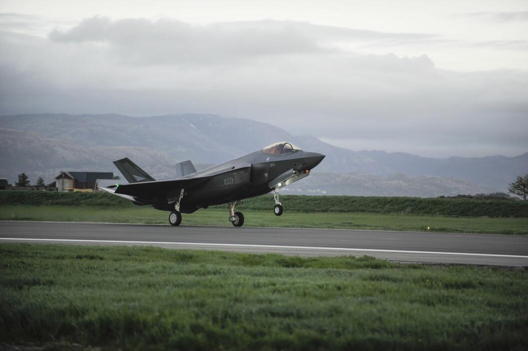 Kampflyene kan bli flere milliarder dyrere enn først antatt.