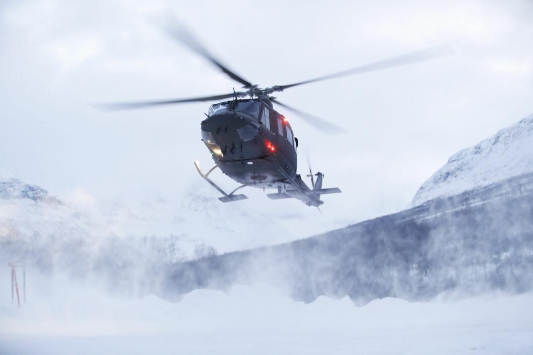 Redningsaksjon: Bell-helikoptre har tidligere bidratt i flere søk- redningsaksjoner, som her i Tamokdalen i 2019 da fire omkom etter et skred (Foto: Terje Bendiksby/NTB Scanpix).